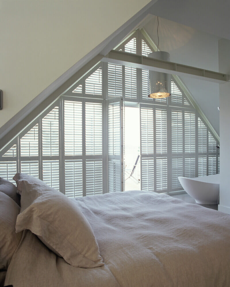 Bedroom Tier-on-Tier Shaped Shutters