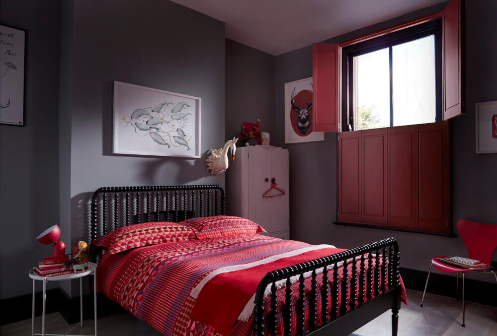 Bedroom Tier-on-Tier Solid Shutters