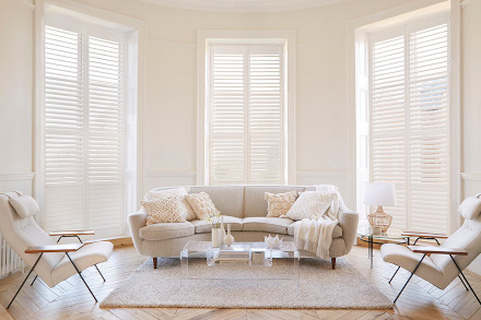 Full hight window shutters in lounge
